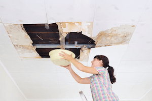 How to Handle an Emergency Roof Leak